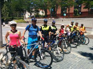 Al regreso del grupo ciclista a Madrid Río.