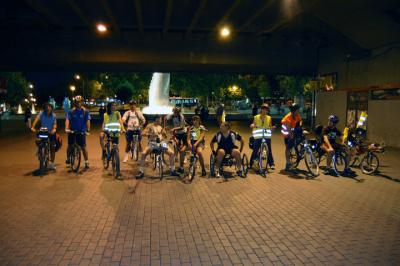 Primera vuelta nocturna (foto de Jason Elliot)