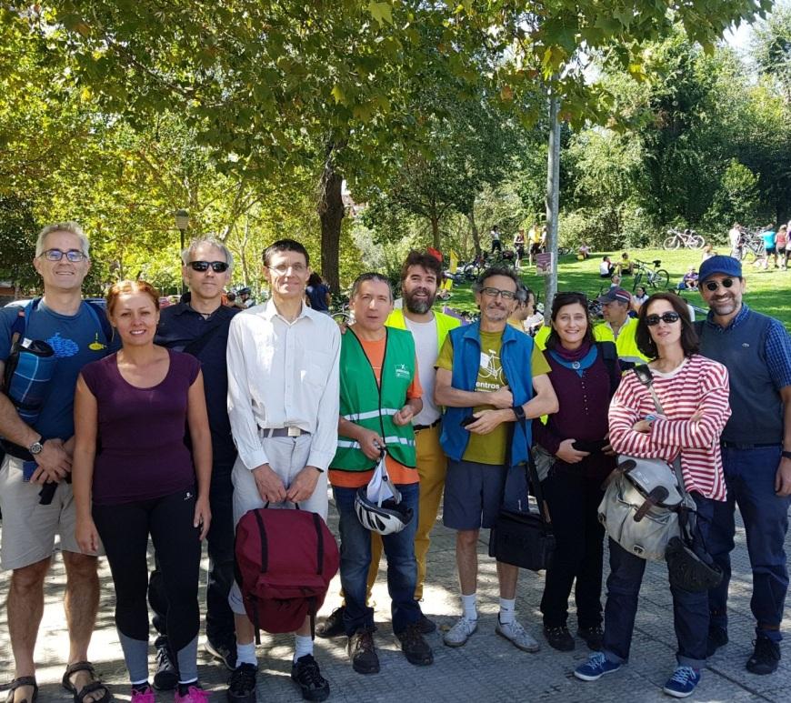 Grupo de socios de Pedalibre en Coslada