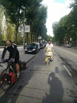 FestiBal - Llevando el material en bici desde Campomanes